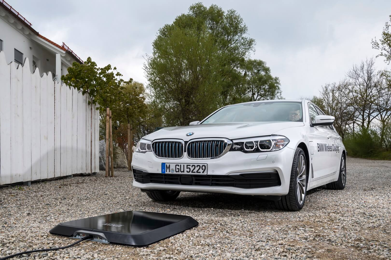 BMW 530e Iperformance-exterior-1