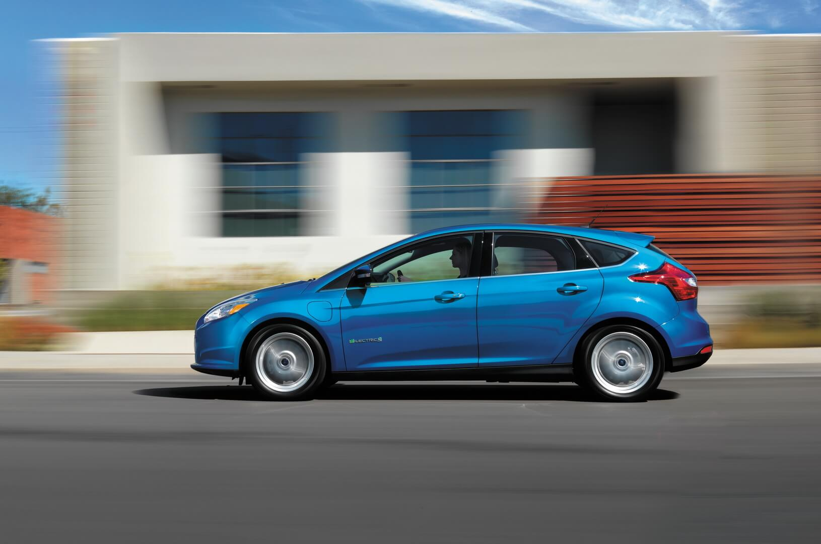 Ford Focus Electric 34kwh-exterior-9