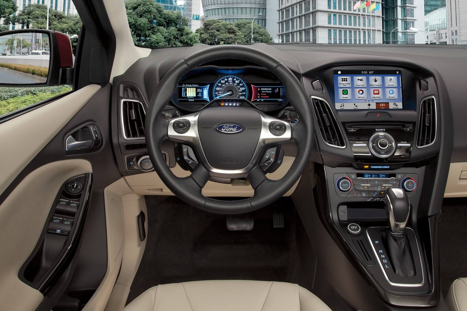 Ford Focus Electric 34kwh-interior-1