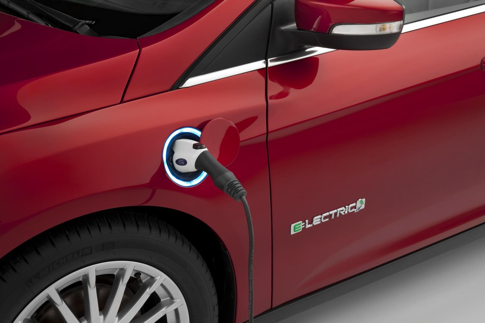 Ford Focus Electric 23kwh-exterior-2