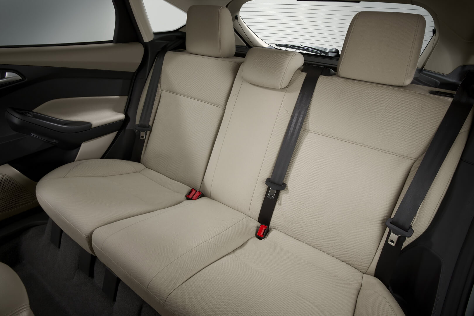 Ford Focus Electric 23kwh-interior-5