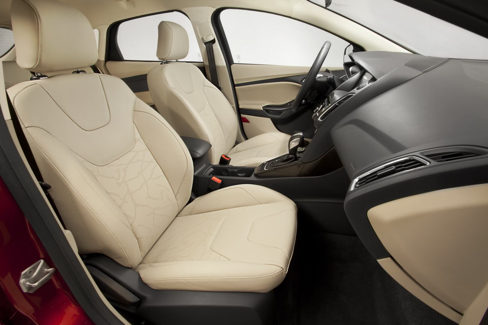 Ford Focus Electric 23kwh-interior-3