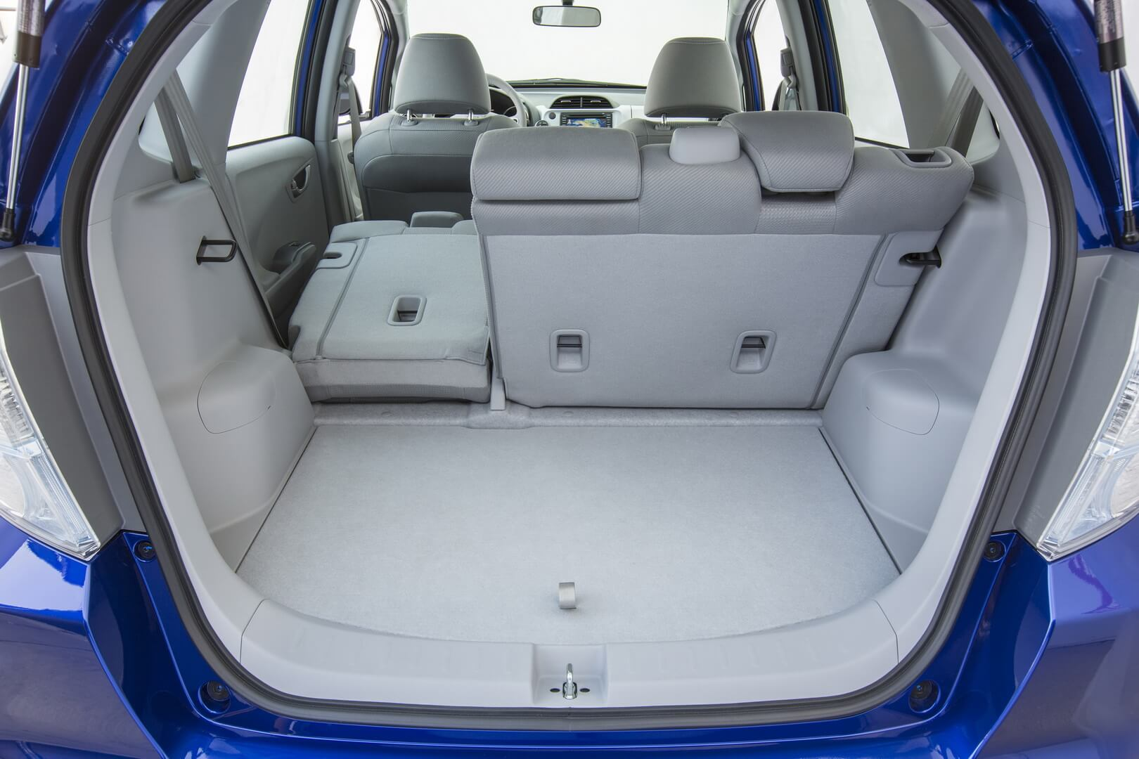 Honda Fit EV-interior-22