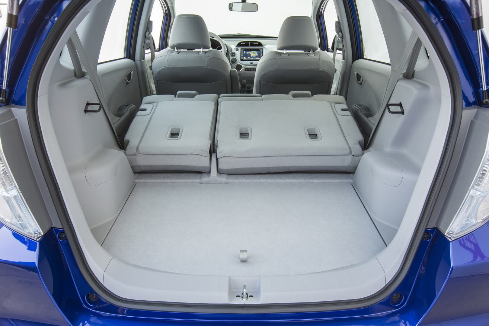 Honda Fit EV-interior-21