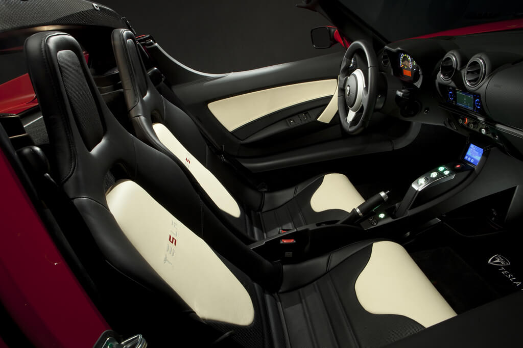 Tesla Roadster 53kwh 2008-interior-2