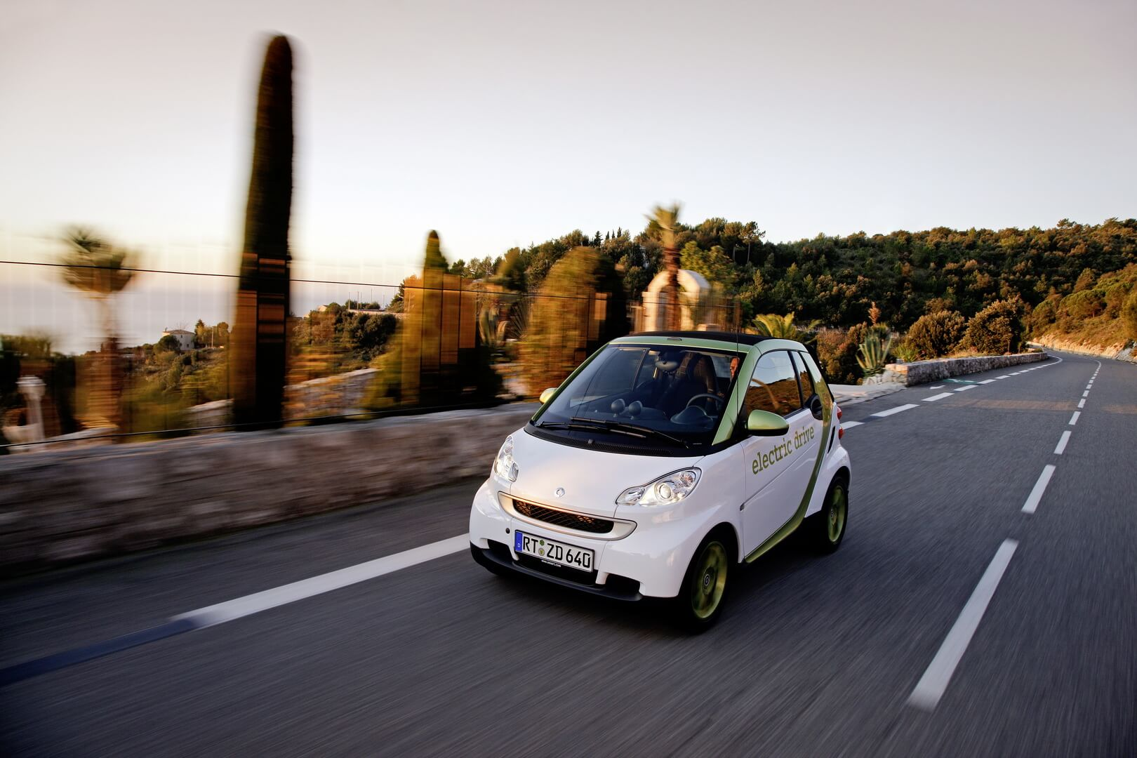 Smart Fortwo Electric Drive 2012-exterior-10