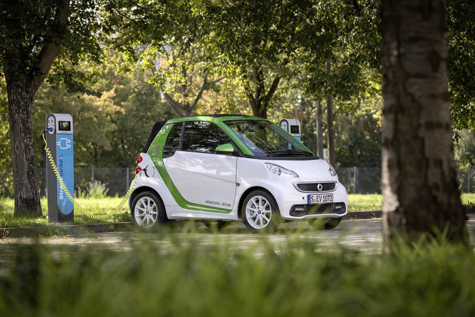 Smart Fortwo Electric Drive 2012-exterior-20